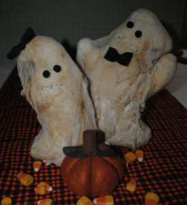 Two handmade and easy to sew ghost couple that are perfect for Halloween