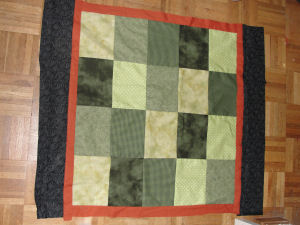 An easy to sew Halloween quilt that is handmade